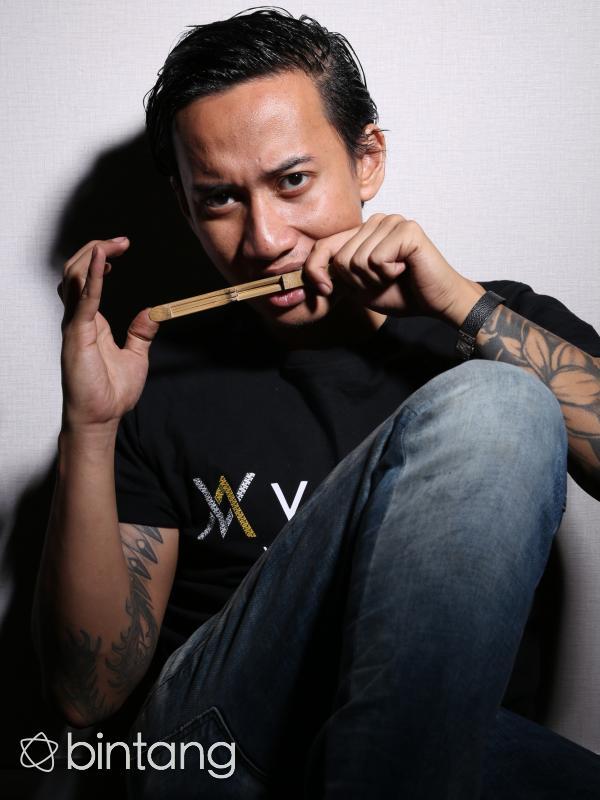 V1MAST (Andy Masela/Bintang.com)